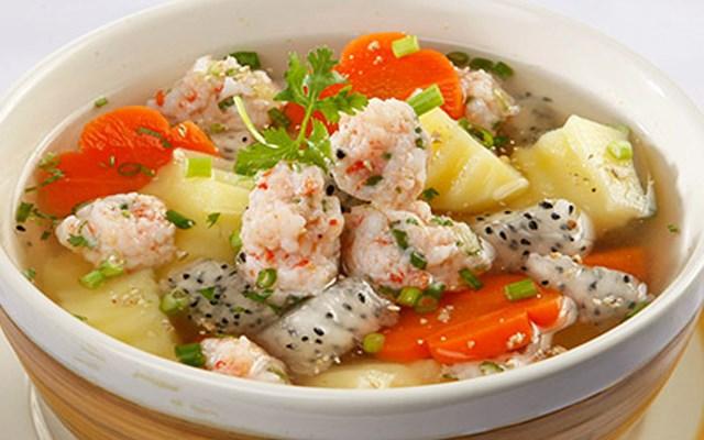 Cách làm canh thanh long nấu hải sản