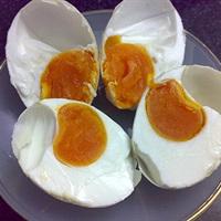 Rau củ xào trứng muối