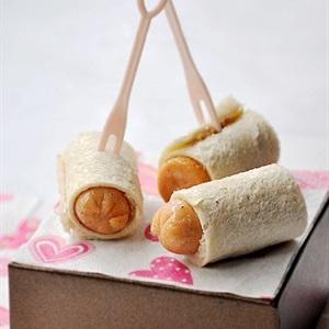 Bánh mì cuộn xúc xích bơ