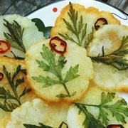Cách làm bánh khoai tây chiên hình hoa lá