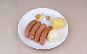 Xúc xích xào khoai tây vừa mềm vừa thơm