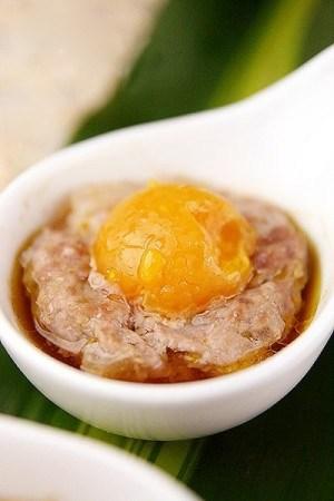 Xíu mại hấp trứng vịt muối