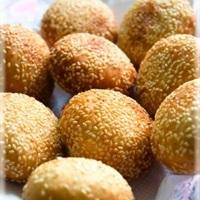 Bánh rán vừng nhân đậu xanh dừa
