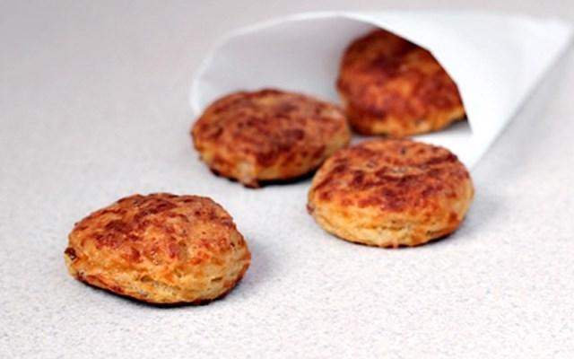 Cách làm bánh cookies thịt xông khói
