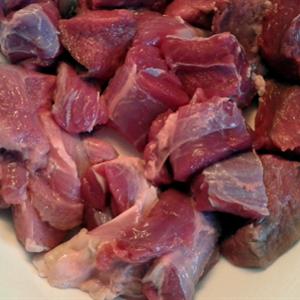 Thịt bò nấu sốt vang