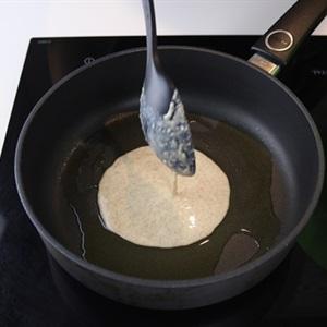 Bánh crepe chuối dâu tây