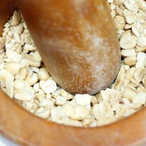 Hến xúc bánh đa