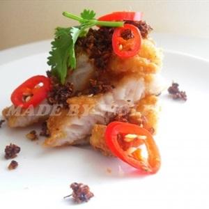 Phi-lê cá basa chiên sả ớt
