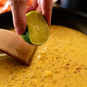 Cà ri tôm nước dừa