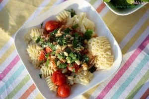 Tuna, cherry tomato pasta