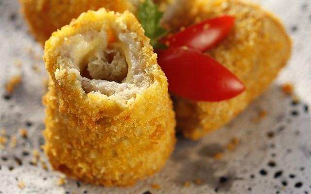 Cách làm bánh cuộn khoai môn