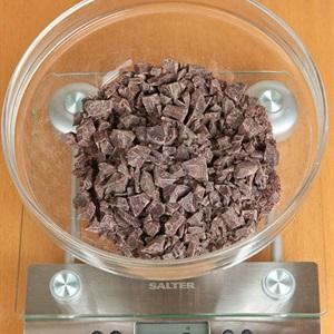 Kem ốc quế phủ chocolate