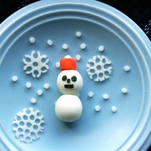 Trứng cút người tuyết