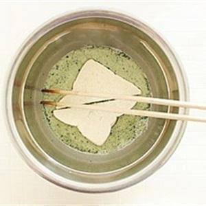 Bánh mì chiên bột trà xanh