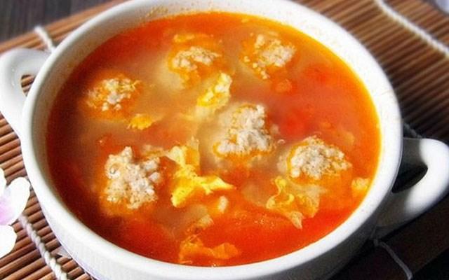 Cách làm canh cà chua trứng thịt viên