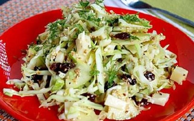 Cách làm salad bắp cải