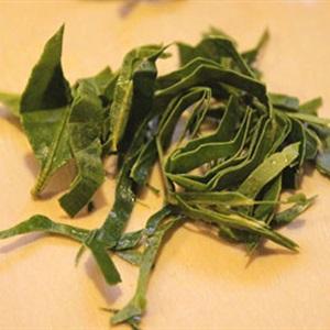 Ốc hương xào tỏi ớt và lá chanh