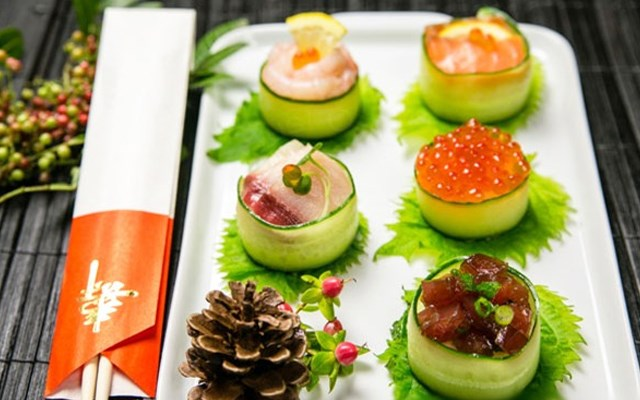 Cách làm sushi cuộn dưa leo