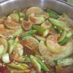 Canh cá bông lau nấu chua