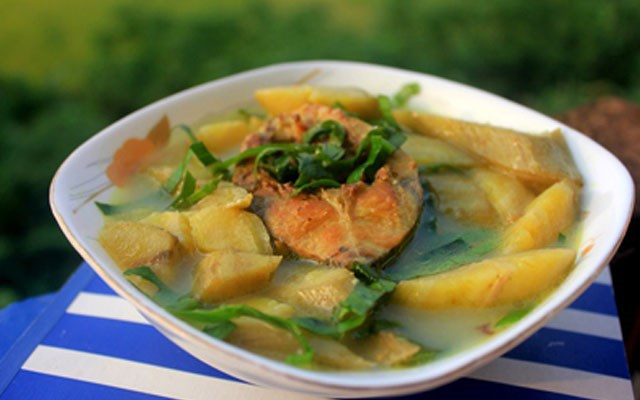 Cách làm canh cá chép nấu chuối xanh