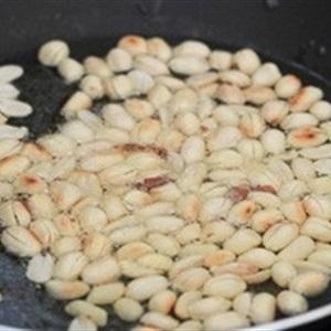 Gà xào đậu phộng