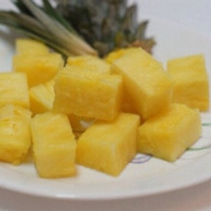Bánh cuộn dứa