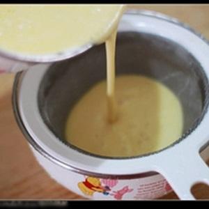 Bánh crepe kem dâu tươi