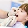 Sai lầm của bố mẹ làm hỏng hàm răng xinh của con
