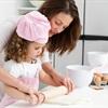Lợi ích của việc cho trẻ vào bếp cùng mẹ