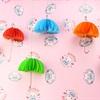 """Cách làm chiếc dù """"mini"""" đa sắc màu độc lạ"""