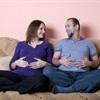 Giải thích lý thú cho những biểu hiện của các ông chồng nghén thay vợ