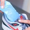 Mẹo hay giúp nới rộng giày chật khi cho vào tủ lạnh