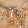 Mẹo hút thủy tinh vỡ sạch không sợ đau tay với lát bánh mì