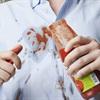 Mẹo xử lý 5 vết bẩn truyền kiếp của quần áo một cách nhanh gọn
