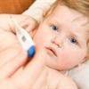 10 mẹo hạ sốt cực nhanh cho bé