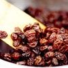 Bài thuốc dân gian thanh lọc gan với nho khô và nước