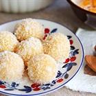 Bánh khoai lang lăn dừa cho ngày ăn chay