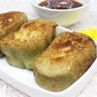 Tận dụng món thừa sau Tết: Bánh tét chiên giòn chấm tương mặn ngọt