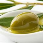 5 loại dầu tốt nhất mẹ nên dùng massage cho bé