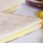 Độc chiêu làm bánh mì sandwich phô mai nướng với bàn ủi