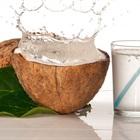 Vì sao mẹ bầu nên uống nước dừa?