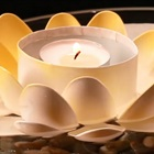 Khéo tay làm đế nến hoa sen từ những chiếc muỗng nhựa