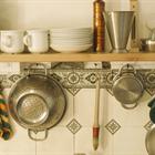 Mách nhỏ bạn mẹo vặt làm sạch dụng cụ nhà bếp cực hiệu quả