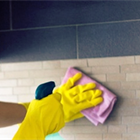 Mẹo hay tẩy vết bám cứng đầu trên tường bếp cực nhanh và sạch
