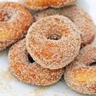 Cách làm bánh doughnut phủ đường đơn giản tại nhà