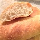 4 mẹo tái sinh biến ổ bánh mì ỉu xìu thành bánh mì nóng giòn