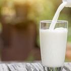 Vì sao uống sữa thường gây đau bụng, tiêu chảy: nguyên nhân và cách khắc phục