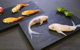 Nghệ thuật cuốn sushi cá chép Koi tinh tế của ẩm thực Nhật Bản