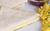 """"""" Độc chiêu"""" làm bánh mì sandwich phô mai nướng với bàn ủi"""