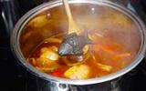 """Ăn """"cá bằng sắt"""" chuyện lạ nhưng có thật ở Campuchia"""